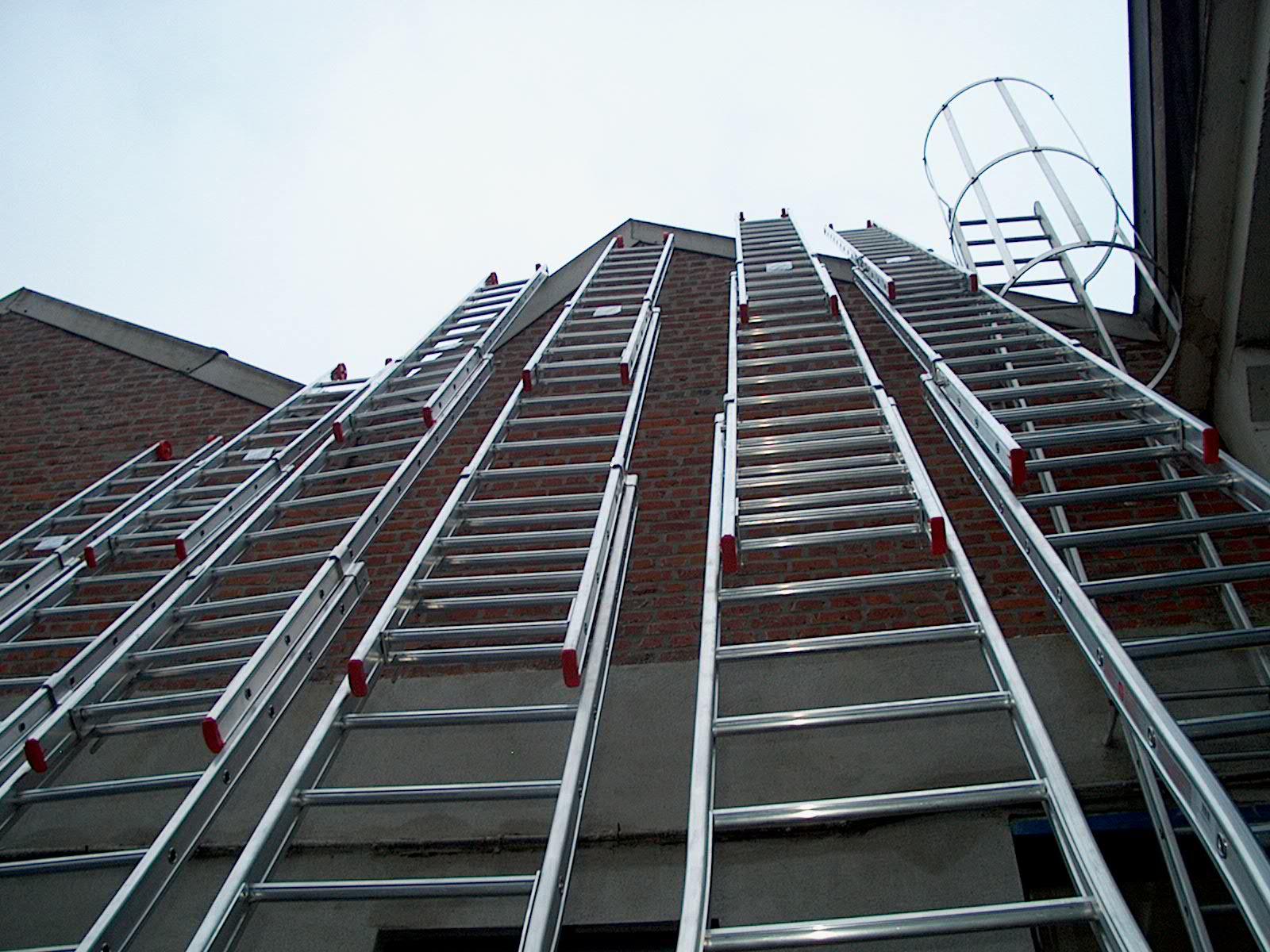 Echelle escabelle fabricant vente aluminium particulier professionnel charleroi li ge - Location echelle de toit ...